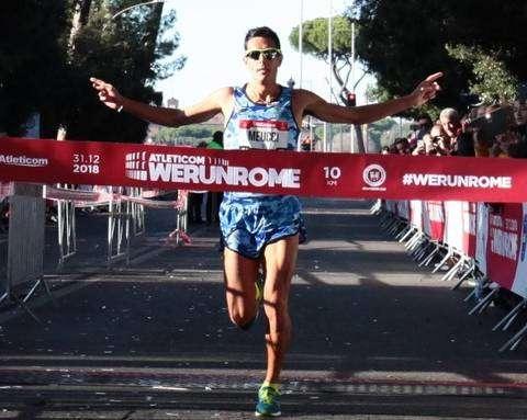 Daniele Meucci vincitore della We Run Rome 2018 (foto organizzazione) 1953d79587ce