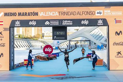 Kibiwott Kandie record di mezza maratona (foto world athletics)