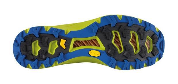 Le suole in mescola Vibram Megagrip ai piedi di chi vuol correre in ... 26423fff1c5