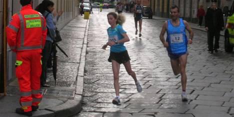 Correndo sotto la pioggia running passion for Sotto la pioggia ombrelli